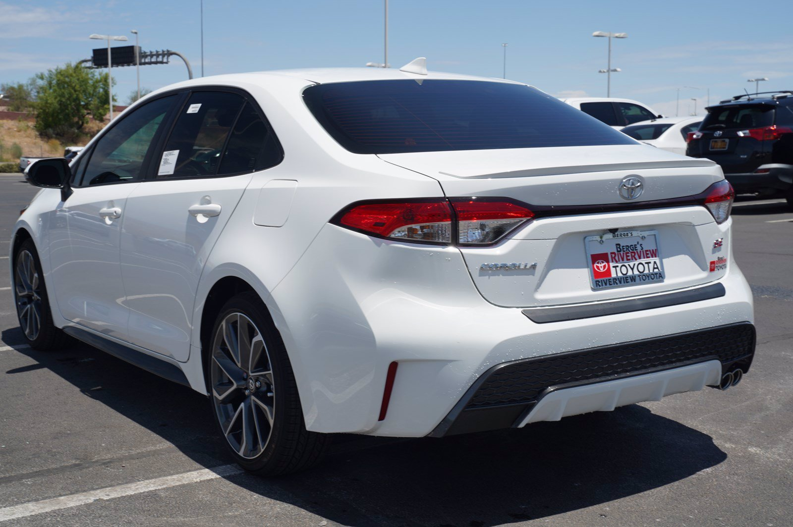 new 2021 toyota corolla se fwd 4dr car